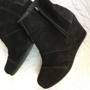 Tom's Black Suede Booties Size 10
